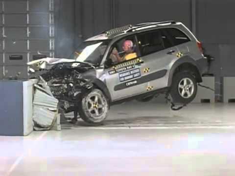 voiture crash test 2001 toyota rav4 moderate overlap test youtube. Black Bedroom Furniture Sets. Home Design Ideas