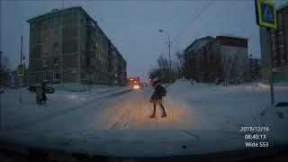 Нарушение ПДД.  Переход дороги вне пешеходного перехода.