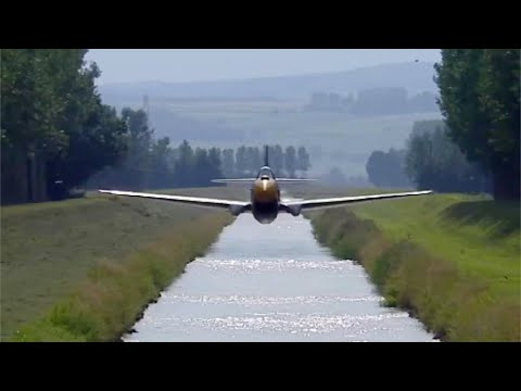 Breitling Fighters fly LOW down a canal - FULL SEQUENCE