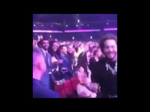Post Malone Dancing Like Crazy At AMA To Shania Twains FULL VIDEO!!!
