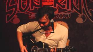 "Shakey Graves - ""Call It Heaven"" (Live In Sun King Studio 92 Powered By Klpsch Audio)"