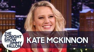 Kate McKinnon Is Still Traumatized from Peeing in Front of Jennifer Lopez