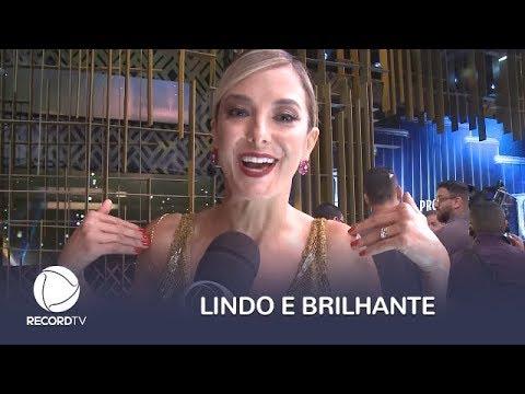 Ticiane Pinheiro manda beijo para todos