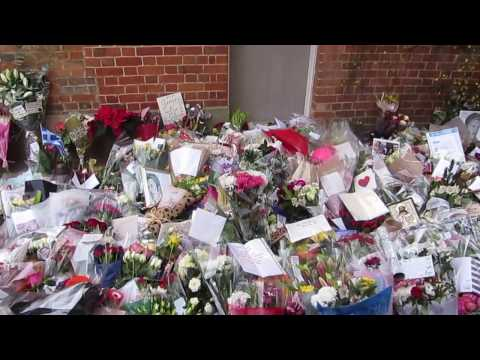 george michael goring on thames residence death tributes part one of three