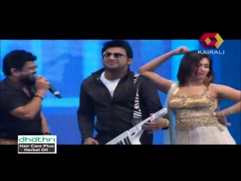 Nadirshah Sings Premam Ennal Enthanu Penne At Kairali Asiavision Movie Awards 2015