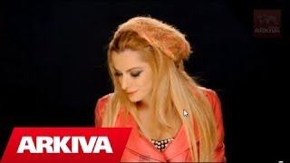 Sabina Dana ft. Dafi Derti - E kam pas (Official Video HD)(Facebook: http://www.facebook.com/ArkivaShqip Realizuar nga Max Production Music & Arrangement: Alfred Sula., 2012-11-17T18:36:42.000Z)