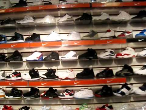 27d9ec2ce0 Sneaker City Downtown Seattle 04.25.09 - YouTube