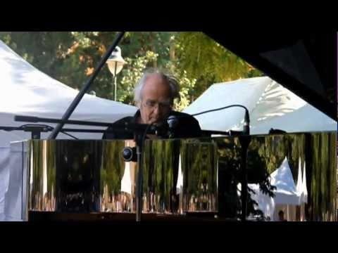 Corbeil-Essonnes Jazz Festival - 3 juillet 2011 - Michel Legrand en concert.avi