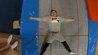 Trampoline: Belly Drop (Tutorial for beginners) / Батут: Прыжок на живот (Видеоурок)