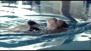 Сцена в бассейне из фильма Лобстер - Джессика Барден, Бен Уишоу и Колин Фаррелл