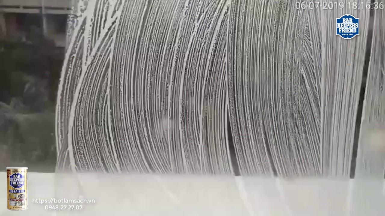 Làm sạch kính ố với 1 phút 30 giây