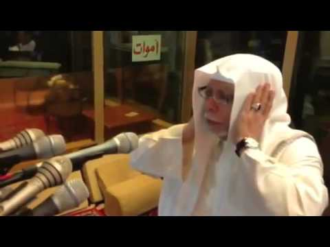 Adhan from Mecca 2013   اذان جميل للشيخ علي ملا