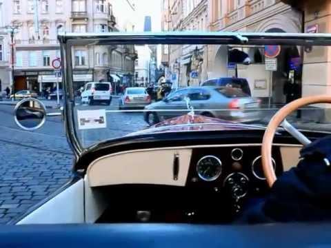 Vintage Praga ( 1929) car tour in Prague / Prague antique car tour