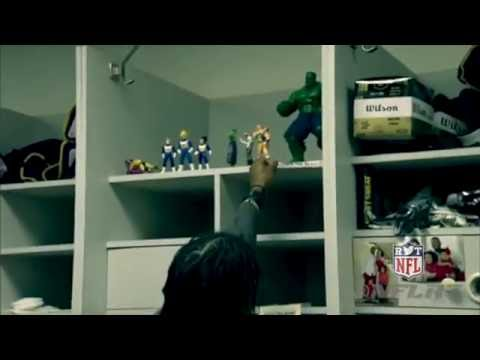 Robert Griffin III Cleans Out His Redskins Locker