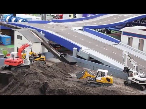 1/16 RC Excavator, trucks & construction machines @work!