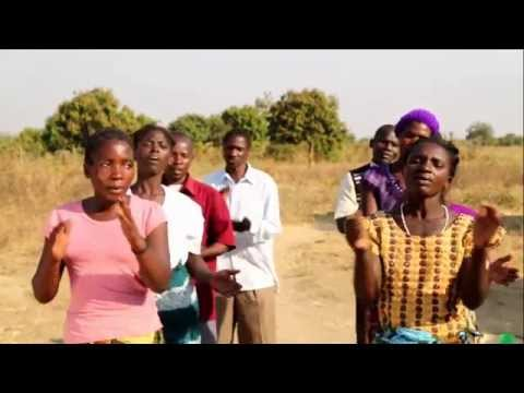 Malawi's young farmers sing out loud for Global Goals (3:26 min)