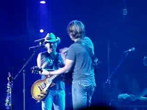 Keith Urban & Kenny Chesney-Houston 2008