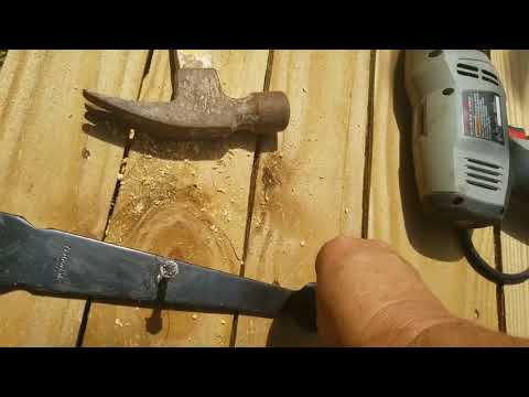 Installing a wooden fence gate