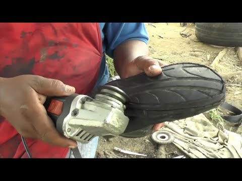 Unable to buy new shoes, Venezuelans rely on shoemaker's creativity