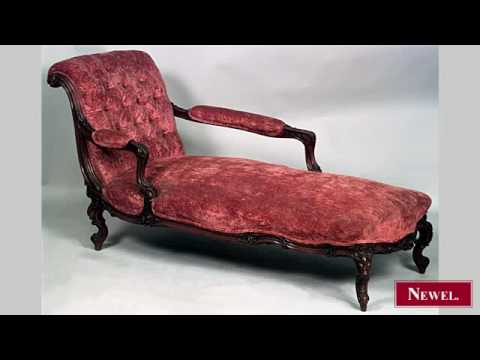 Antique French Victorian carved walnut recamier with tufted