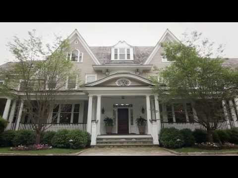 Luxury Living At 44 Mooreland In Greenwich, CT