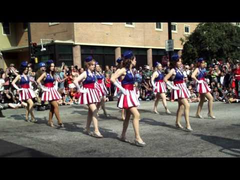 Dragon*Con 2011 Parade Captain America USO Girls