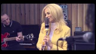 Pixie Lott - Royals [Live at The Pool]