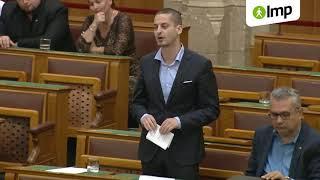 Ungár: A kormány nem segít az autizmussal élő családokon, pedig állítólag a családok éve van (LMP)