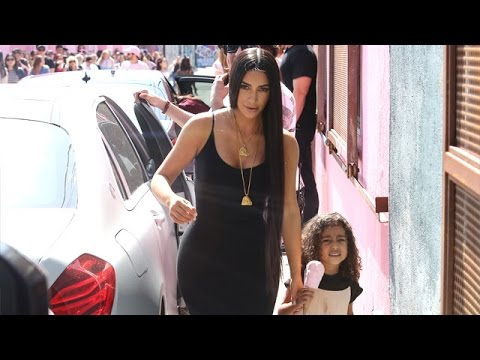 """Nori Screams At The Paparazzi, """"No Pictures!"""" At The Ice Cream Museum"""