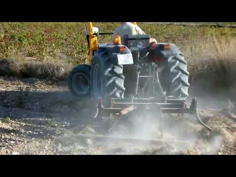 Massey Ferguson 3340 S Tractor with hyraulic Tenia serie 200 bulldozer