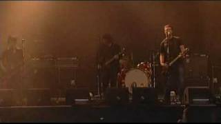 Queens Of The Stone Age - First It Giveth (Lowlands 2005)