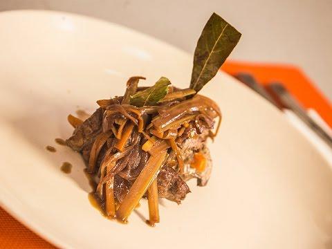 Mish derri me selino dhe karota - Pork with celery and carrots