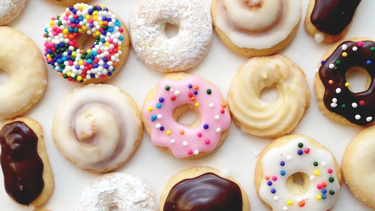 Easy Ways To Decorate A Cake At Home How To Make Mini Donut Cookies Youtube