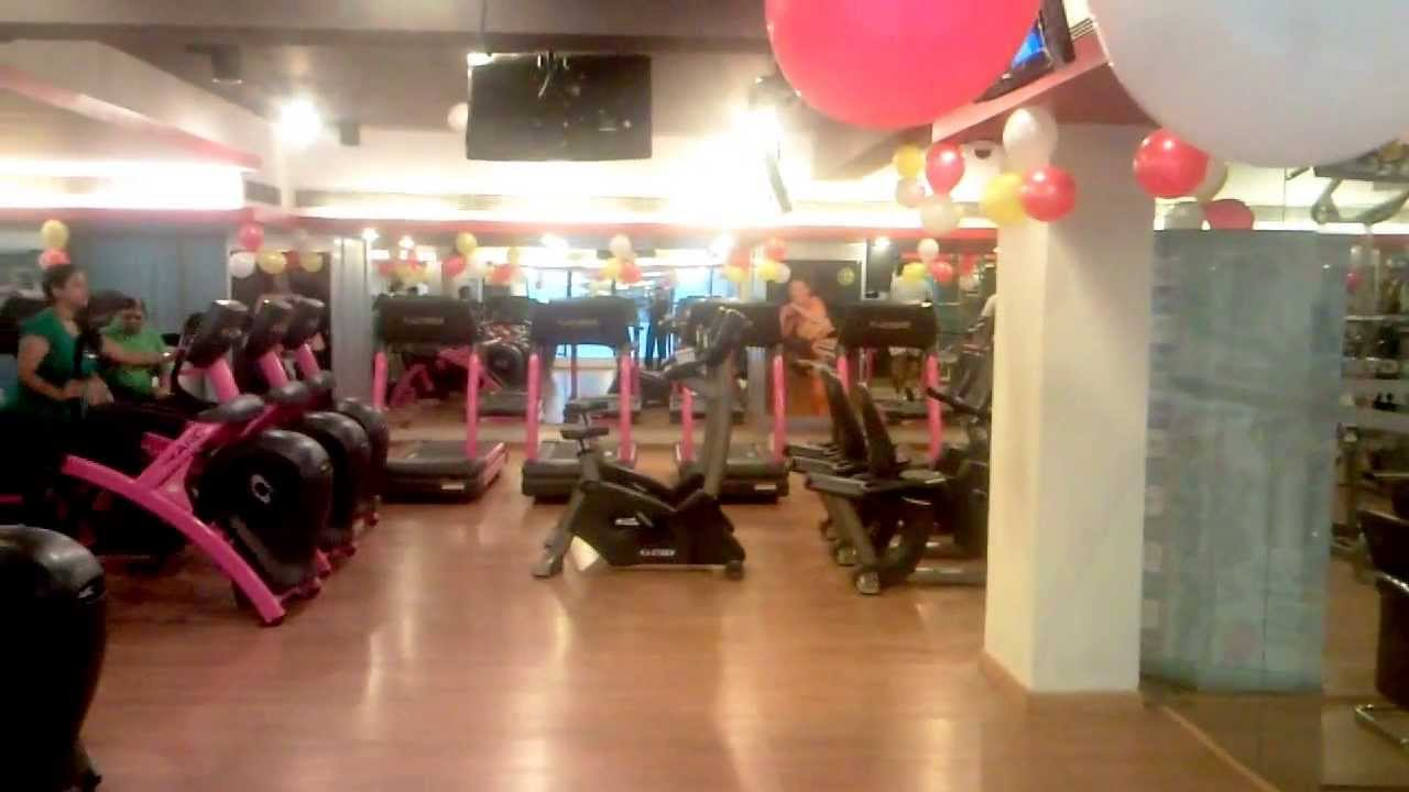 Gold's gym dwarka.3gp - YouTube