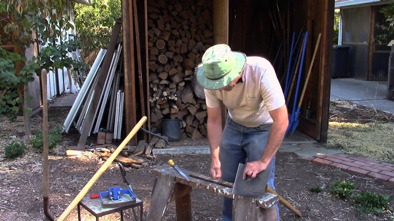 How To Sharpen Garden Tools With A File And Speedy Sharp Youtube
