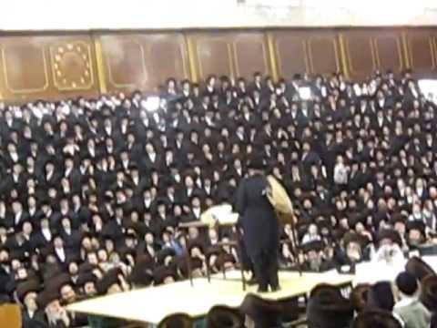 Satmar Shishen Purim Tish in Williamsburg - 5772 - Skit 4/4