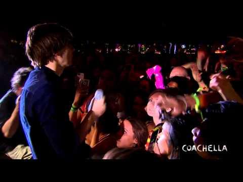 Phoenix - Countdown (Sick For The Big Sun) - LIVE Coachella 2013