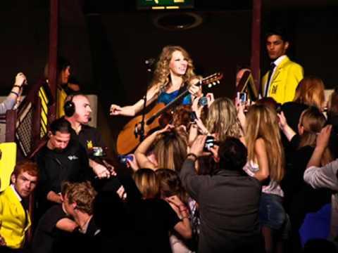 Taylor Swift - Sparks Fly (2007 Original Version) Sub. Español