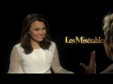 "Samantha Barks (Eponine) Interview for ""Les Miserables!""  I Sang ""On My Own"" to Her!"