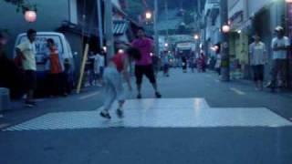 小学3年生のakiです。ストリートで踊ってみました。(なぜか音ズレして...
