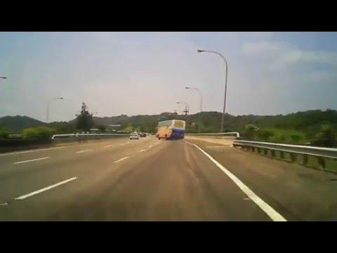 Почему разбиваются автобусы