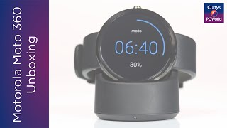 Motorola Moto360 Smart Watch Unboxing | Currys PC World(Smartwatch and mobile phone buyer for Currys PC World, Will Coates, unboxes the Motorola Moto360 smart watch. View the Moto360: ..., 2015-07-16T10:58:10.000Z)