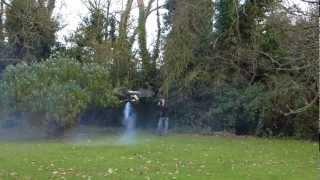 Трюки вертолета на радио управлении - Helicopter stunts(Запуск радиоупраявляемого вертолета с демонстрацией нескольких трюков и виражей. Stunts and tricks with helicopter. Real pro., 2012-12-10T16:11:31.000Z)