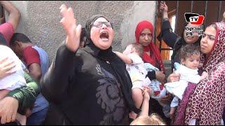 سيدة تصرخ أمام معهد ناصر: إحنا هنا من الصبح عشان علبة لبن