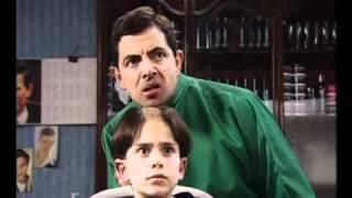Rowan Atkinson talks about Mr Bean 3/4