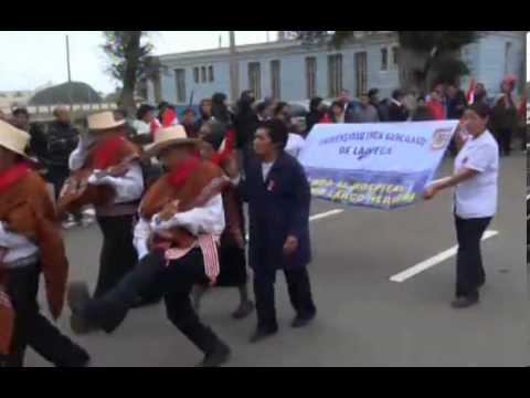 Desfile por Fiestas Patrias en el Larco Herrera