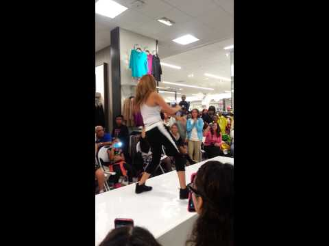 Thats Me Right There - Jasmine V Bay Plaza