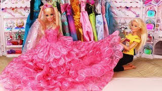 Two Barbie both want the same dress ! Pink House Morning Routine Dress Up Doll Play 인형놀이 드라마 | 보라미TV