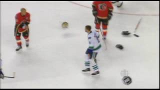 Willie Mitchell vs Jarome Iginla Oct 11, 2008