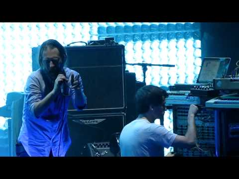 Radiohead Having Problems During Idioteque, Thom Gives Up (Prudential Center, June 1 2012)